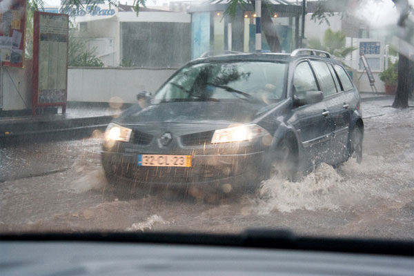 Best Driving Tips for Heavy Rain