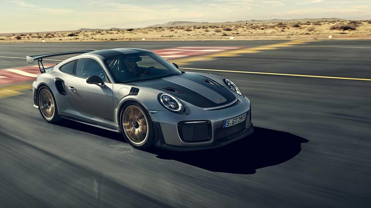 Porsche on Social Networking Sites