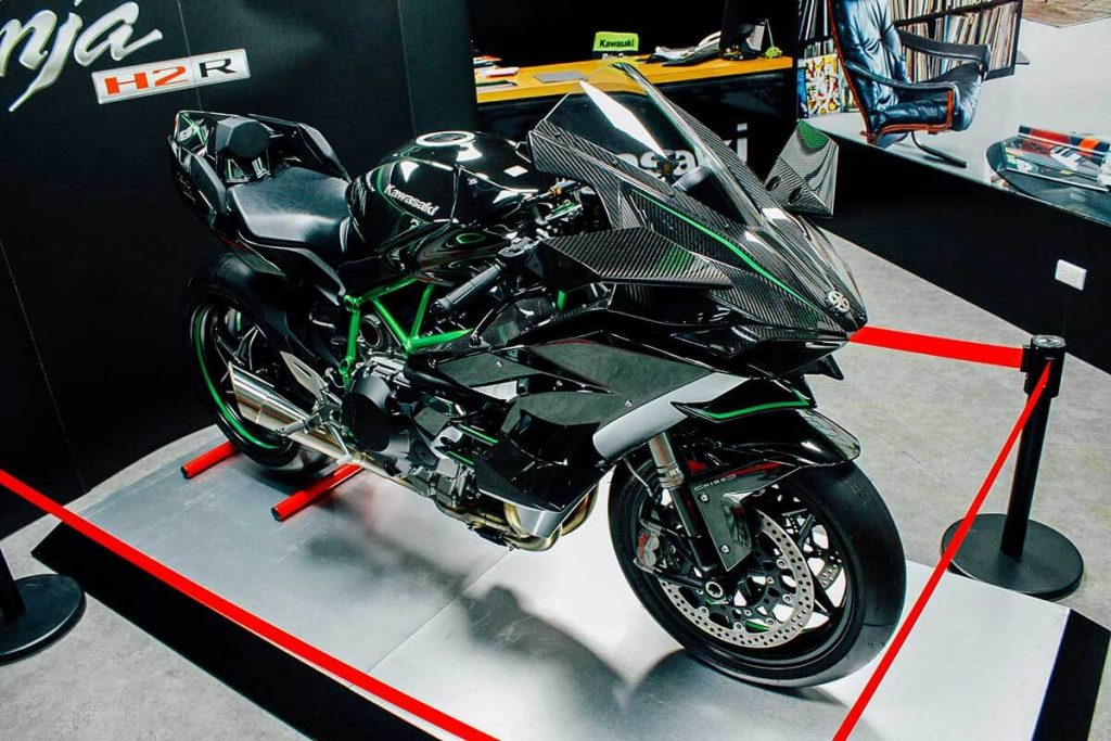Kawasaki Ninja H2R takes Number 4 spot in Sports motorbikes